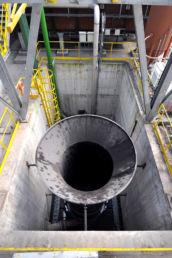 Vue détaillée d'une machine de l'aciérie de production d'aciers longs spéciaux Ascoval de Saint-Saulve