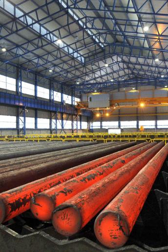stockage des ronds de coulée continue(RCC) dans l'acierie de Saint-Saulve